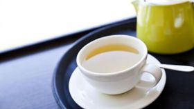 Brewed Tea Vs. Bottled Tea: Which Is Healthier?