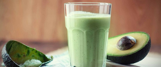 Power Breakfast Smoothie with Avocado