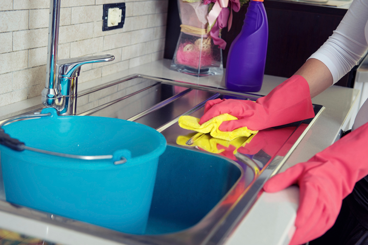 5 Ways to Clean Your Kitchen in 10 Seconds
