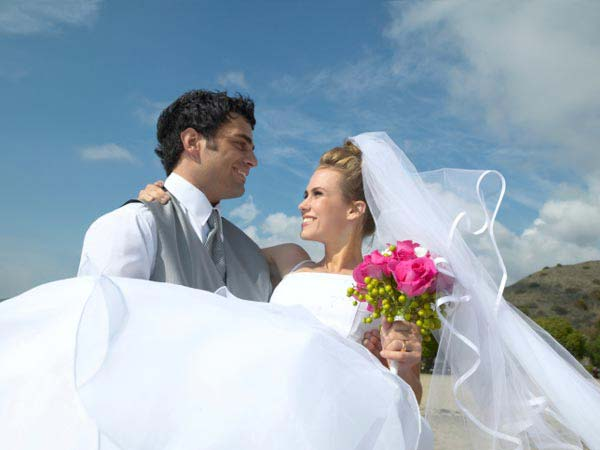 10 Best Cities for a Happy Marriage 2013