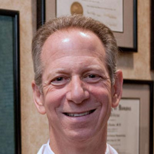Dr. H T. Levine, MD