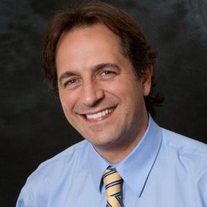 Dr. Julio C. Arroyo, OD