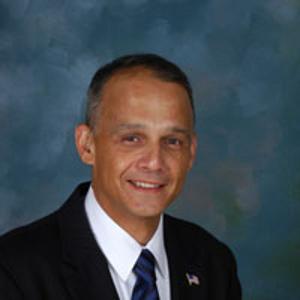 Dr. Vicente E. Font, MD