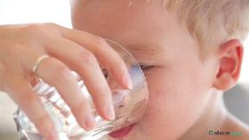 How Much Water a Child Should Drink