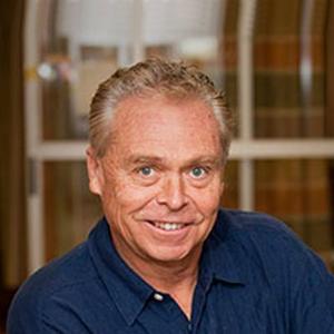 Dr. Roderick G. Lamond, MD