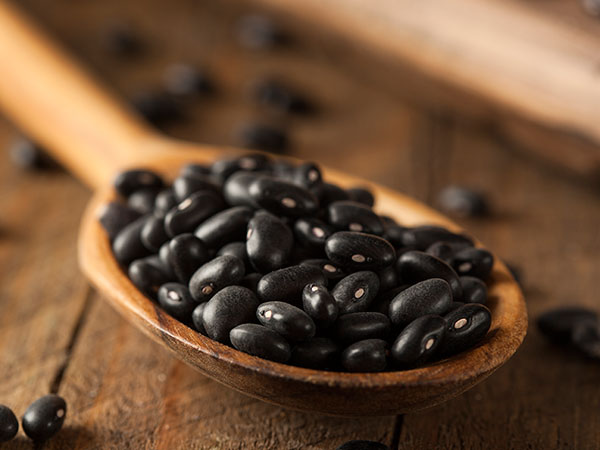 9 Foods That Help Fight Belly Fat