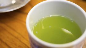 Drink Green Tea to Drop 5 Pounds