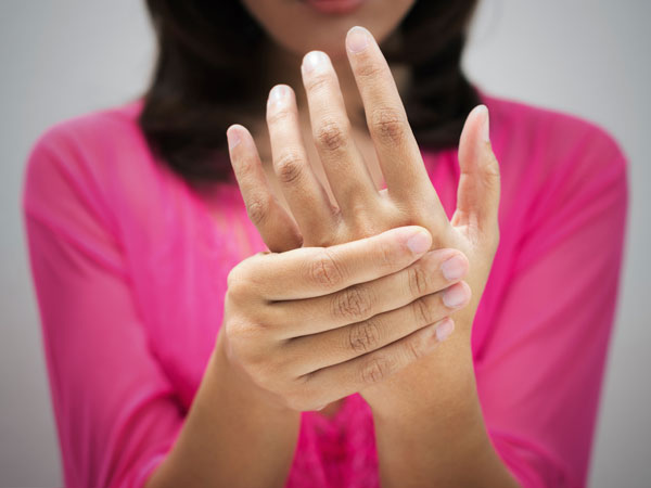 5 Easy Exercises to Keep Arthritic Hands Moving