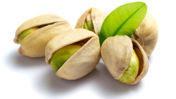 How Eating Pistachios Improves Your Digestive, Immune Systems