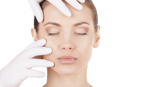 What Are the Risks Involved With a Facelift?