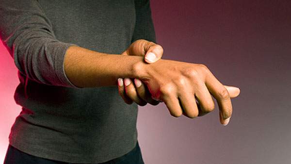 How Is Joint Pain Different in Rheumatoid Arthritis Than Osteoarthritis?